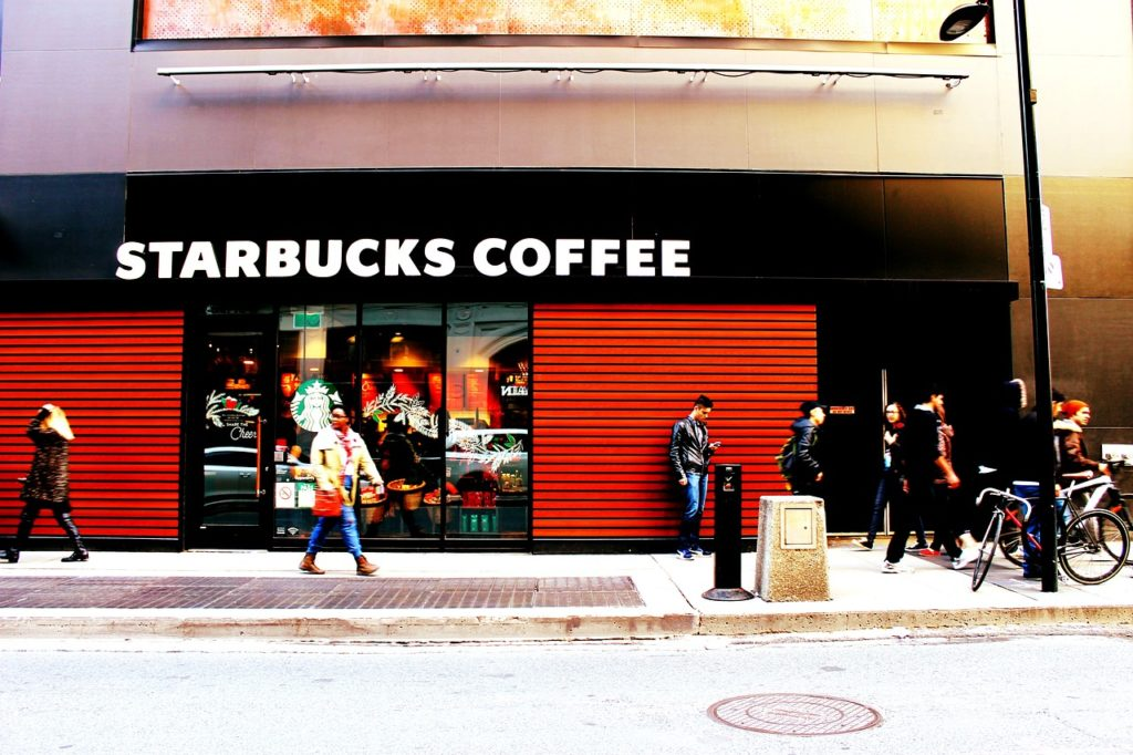 starbucks-store-facade