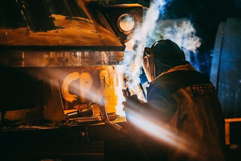 Welding Business: Why Your Workers Should Be Provided with Helmets